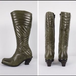 Eject Leather Olive Quilted Boots Size 6